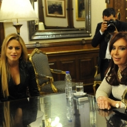 Cristina con Lola Ponce
