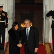La Presidenta Cristina Fernandez de Kirchner, fue recibida por el presidente de EE.UU., George Bush.