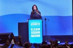 Cristina presenta candidatos del FPV