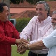 Néstor con Chávez y Lula en Brasilia