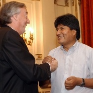 Néstor con Evo Morales, Presidente de Bolivia.