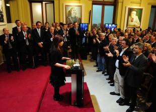 Cristina anuncia su candidatura a la reelección