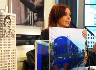 CFK anuncia mejores en el transporte de cargas y pasajeros