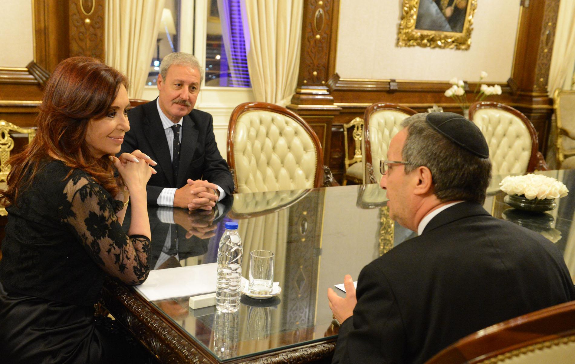 CFK con la AMIA