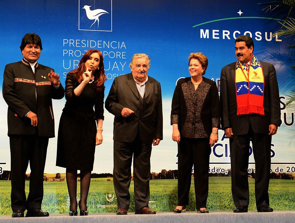 Cristina en la Cumbre del Mercosur en Uruguay.