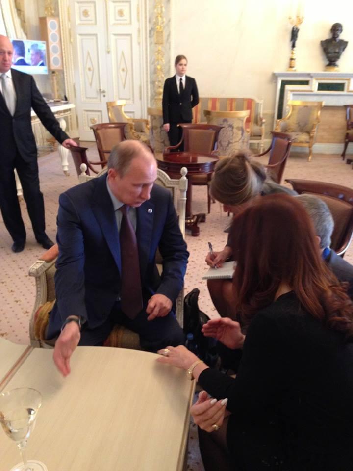 CFK mantuvo una reunión bilateral con el Presidente ruso Vladimir Putin.
