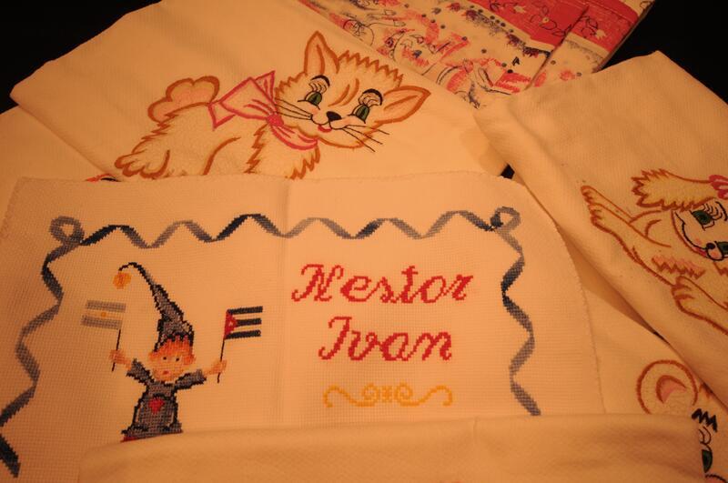 Me encantó la babita bordada y el duende con las banderitas de Cuba y Argentina.