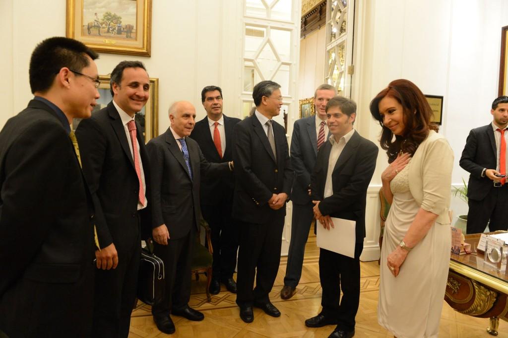 Cristina recibió al titular de la compañía petrolera Bridas, Carlos Bulgheroni, y al CEO de CNOOC International Ltd., Li Fanrong.