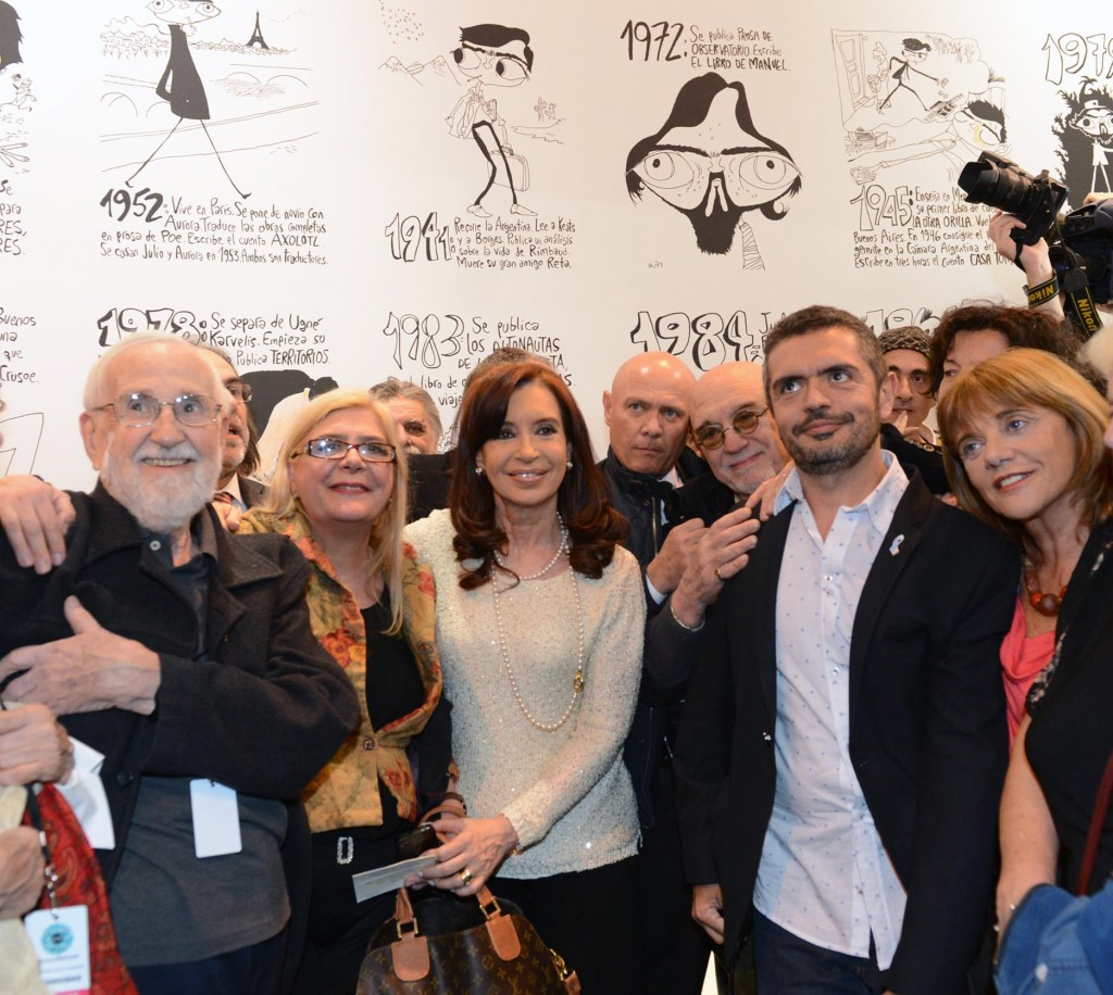 Inauguración del Salón del Libro de París con Argentina como invitada de honor..