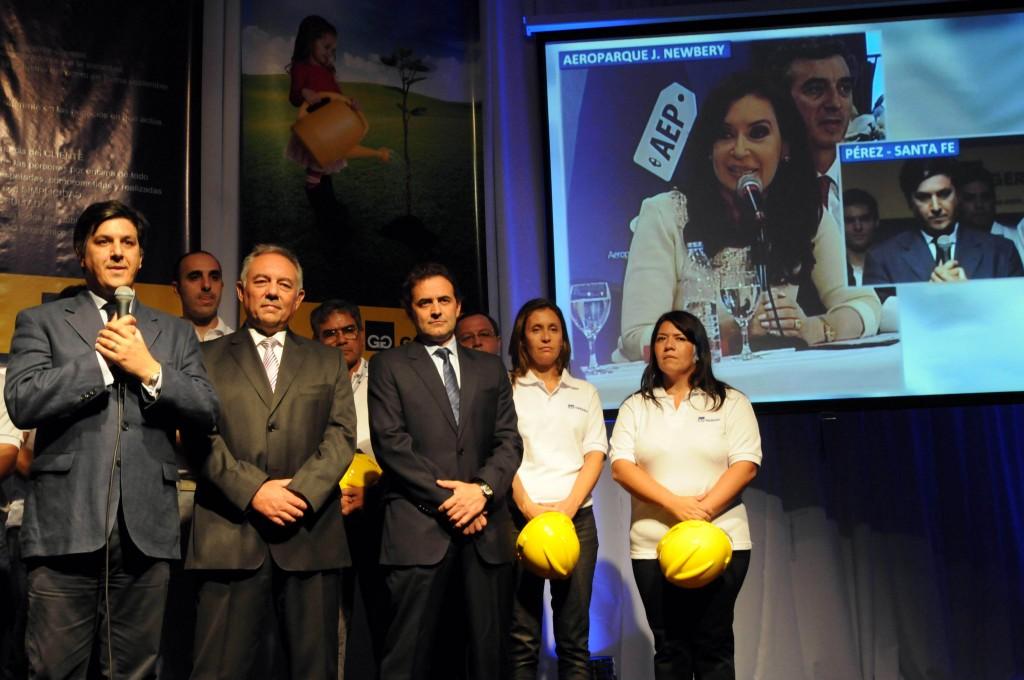 La presidenta Cristina Fernández de Kirchner, mediante videoconferencia, anuncia el inicio de obra de la planta de acero del grupo SIPAR-GERDAU, en un acto realizado en Ciudad de Pérez, Santa Fe.