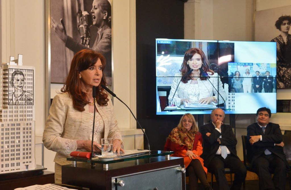 Plan PROCREAUTO, inauguraciones en Cba, Sta Fe y MDQ. CFK
