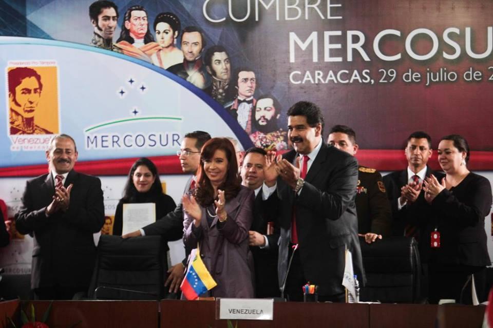 Cristina Fernandez de Kirchner participó de la cumbre del MERCOSUR en Caracas y asumió la presidencia pro témpore del bloque