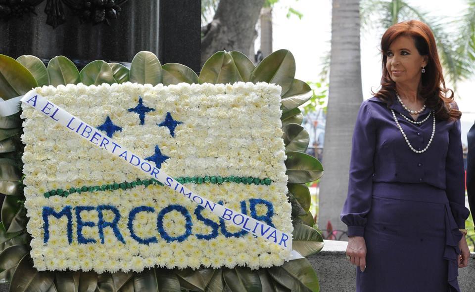 Cristina Fernandez de Kirchner participó de la cumbre del MERCOSUR en Caracas y asumió la presidencia pro témpore del bloque.