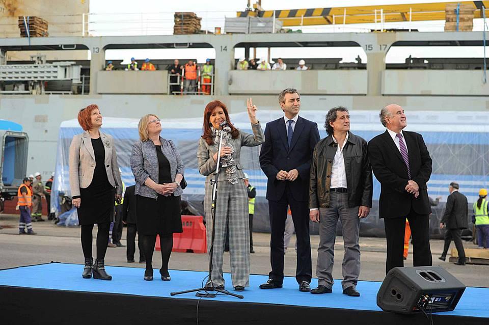 En el puerto de Buenos Aires, recibimos las nuevas formaciones 0KM para el Tren Mitre.