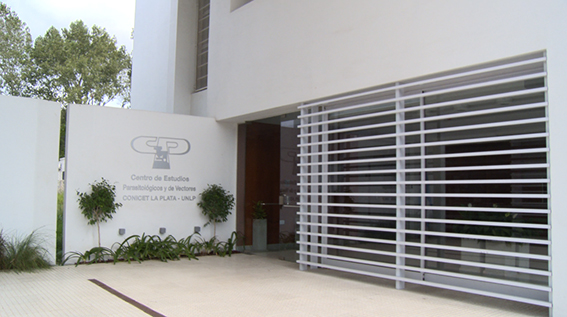 En la Universidad Nacional de La Plata, hoy inauguramos el nuevo edificio del CEPAVE (Centro de Estudios Parasitológicos y de Vectores).