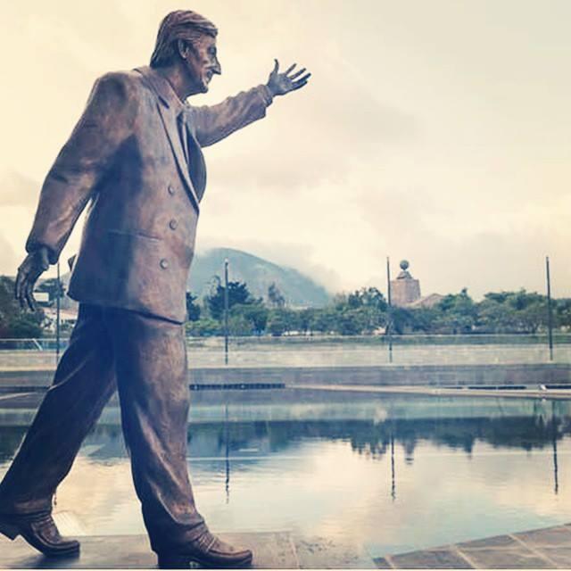 Unasur ya tiene sede permanente en el Centro del Mundo. Se llama Néstor Kirchner.