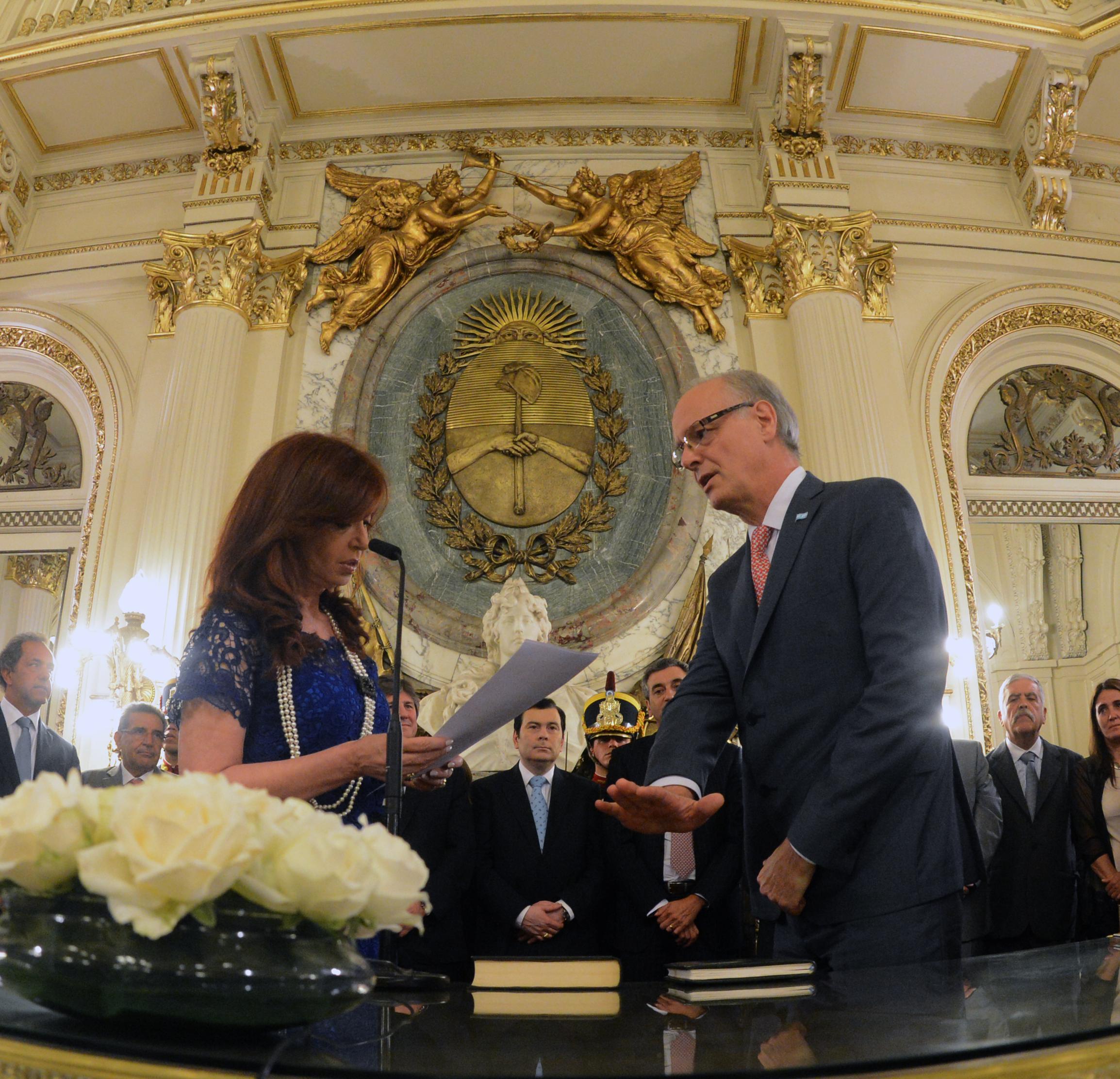 La Presidenta tomó juramento a Daniel Gollán como Ministro de Salud.