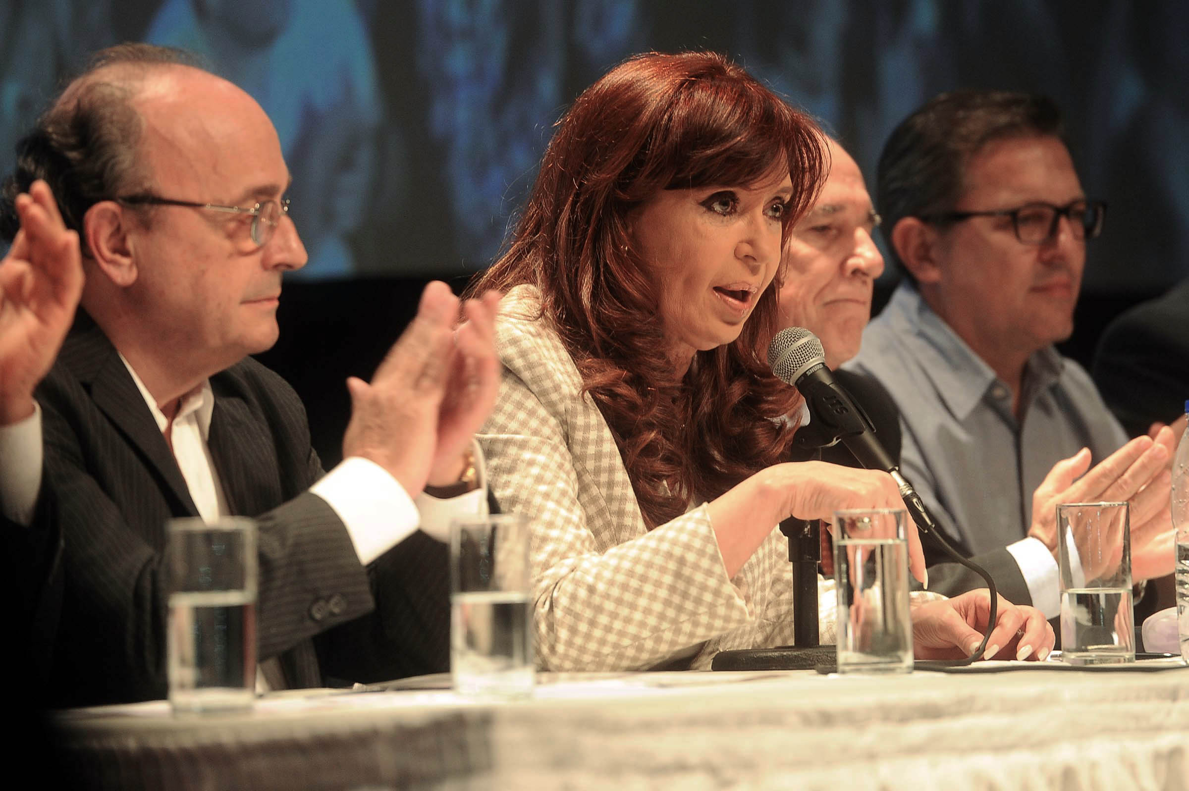 17-04-2015_buenos_aires_la_presidenta_cristina (4)