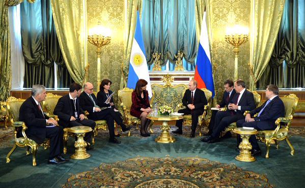 Cristina Kirchner fue recibida por Vladímir Putin.
