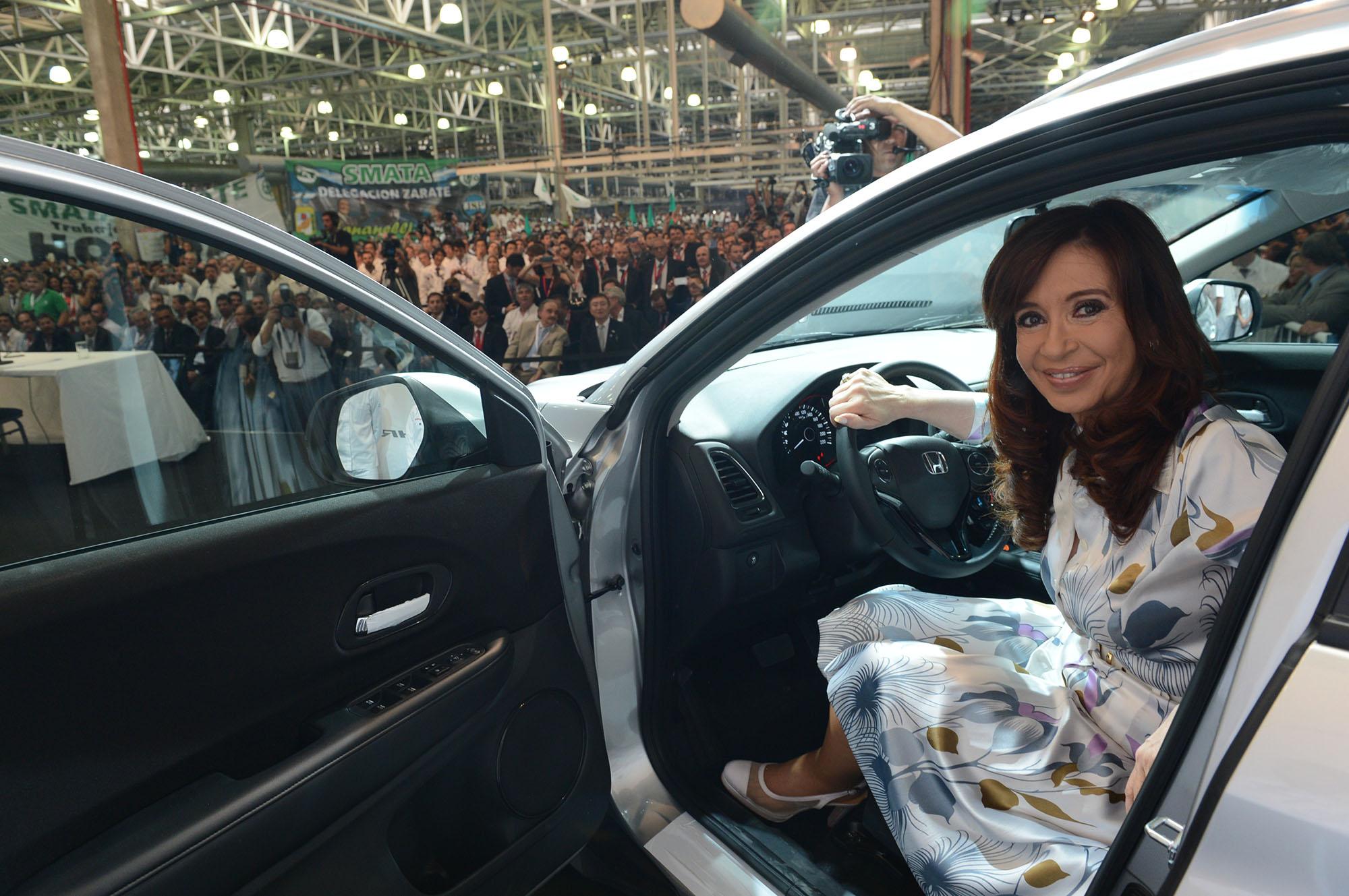 La Presidenta en la planta de Honda en Campana.