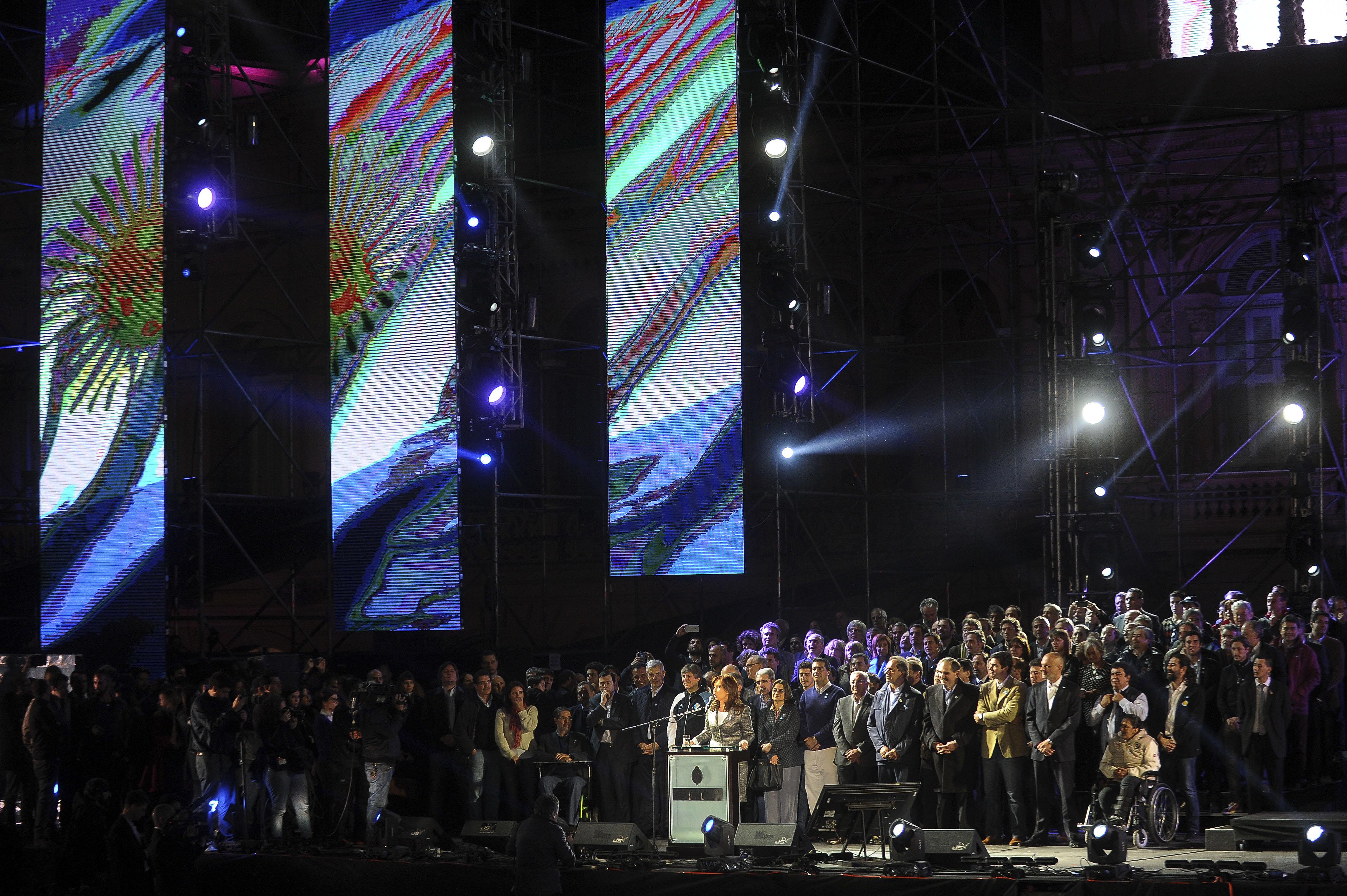 26-05-2015_buenos_aires_la_presidenta_cristina (7)