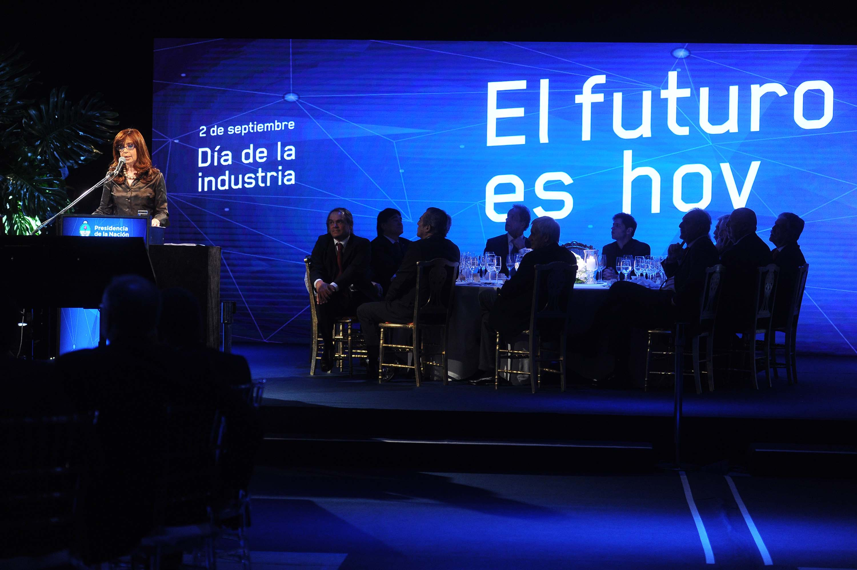 02-09-2015_buenos_aires_la_presidenta_cristina (2)