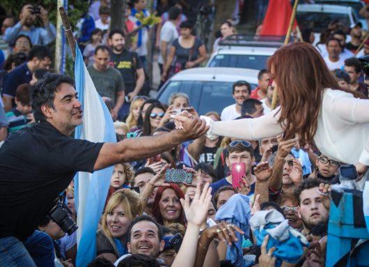 Sobre pijamas, dormitorios y decretos en la Argentina macrista arrepentida